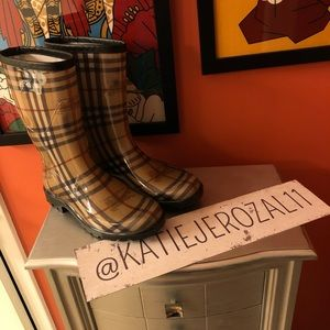 Burberry boots size 37 👜*